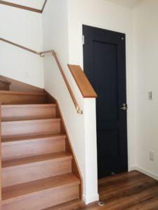 室内:1F階段周り